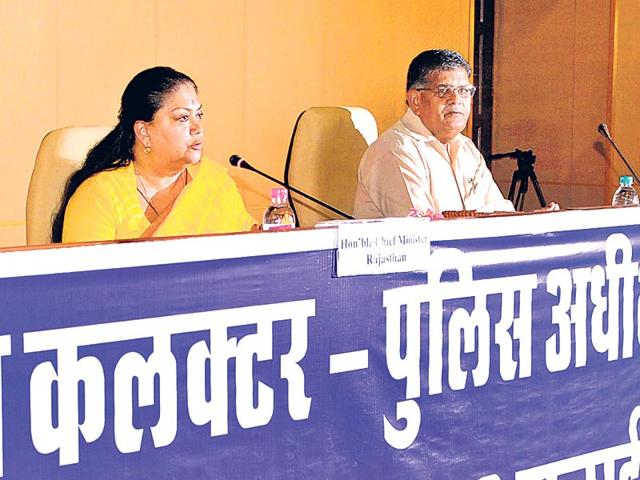 CM Vasundhara Raje and home minister GC Kataria at the SP-Collectors' conference at CMO in Jaipur on Thursday. Himanshu Vyas/HT photo