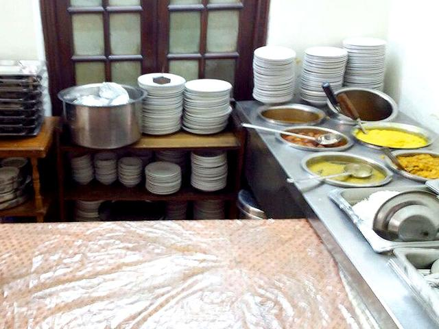 MPs pay just Rs 25 for fried fish with chips, Rs 18 for mutton cutlet and a skimpy Rs 5 for a plate of boiled vegetables at the canteen, according to the reply provided to the query under the RTI Act. For a bowl of vegetable stew costing Rs 4, a total of Rs 41.25 has to be spent to buy the ingredients, meaning the dish comes at a 90% subsidised rate. (HT Photo)