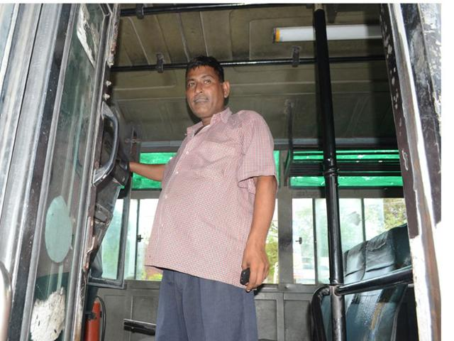 Punjab Roadways driver Nanak Chand saved several lives when terrorists launched an attack here on Monday. The courageous driver drove towards the terrorists as they open fired at the bus. HT Photo