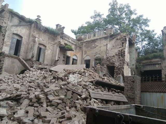 The collapsed building of Happy Balwadi School in Ferozepur on Sunday. The building was not in use for some time. (HT Photo)