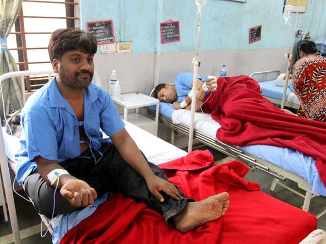 Amrutlal Patel, a tea vendor, managed to save everyone in the flat, except his 14-year-old daughter. ((Photo: Praful Gangude)