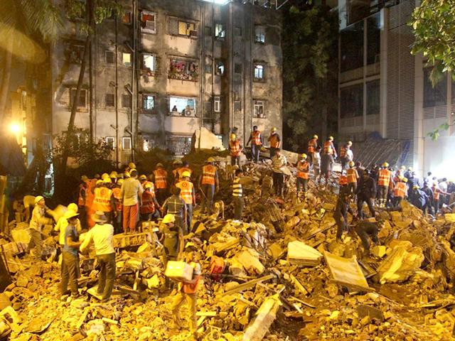 Injured were rushed to a near-by hospital after Thane's Krishna Niwas building collapsed at 2.30am when residents were fast asleep. (Photo by Praful Gangurde)