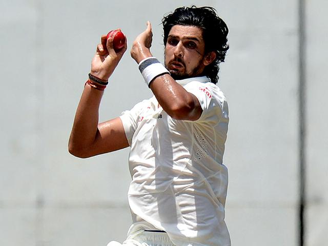 Ishant Sharma in action during the three-day warm-up match between Sri Lanka Board President's XI and India at the R Premadasa International Cricket Stadium in Colombo on August 7, 2015. (AFP Photo)