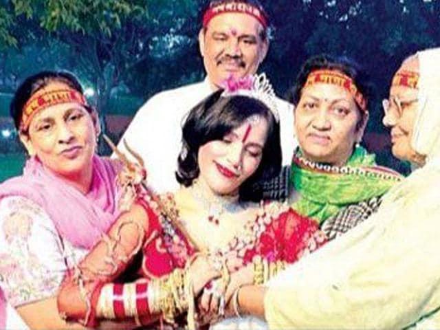 Radhe Maa,Vijay Sampla,Social media