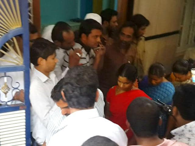 Police arrested BJP acitivists for attempting to steal locals' voter ID cards in a Muslim-dominated area. (HT Photo)