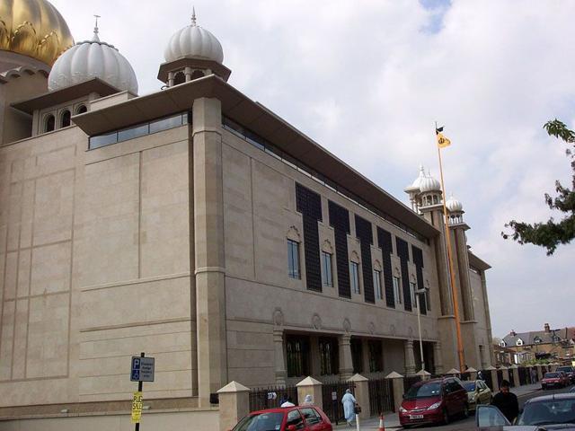 Gurdwara Sri Guru Singh Sabha in Southall, London (Photo courtesy-Wikipedia)