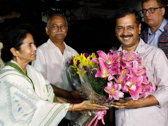 West Bengal chief minister Mamata Banerjee met her Delhi counterpart Arvind Kejriwal in New Delhi on Tuesday. (PTI Photo/Atul Yadav)