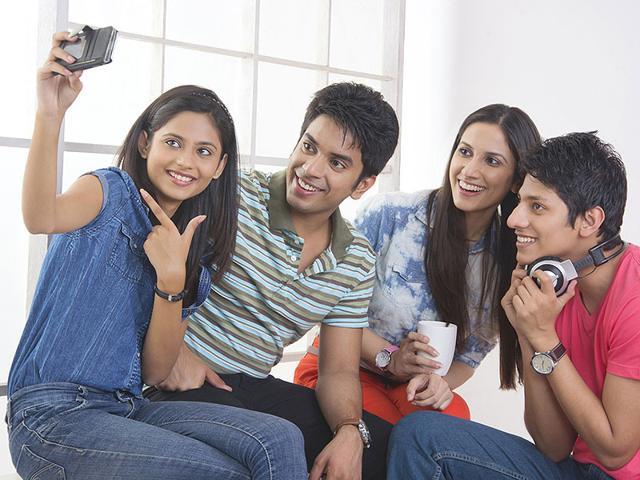 Selfies,Selfie craze,Indian Teens
