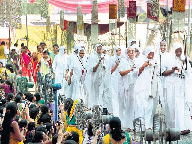 Jain followers during a community event at Mumbai in 2014. (Satish Bate/HT File)