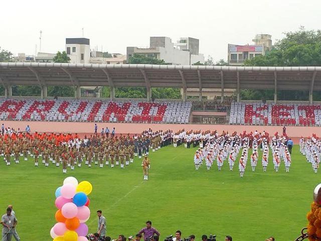 Student display formation showing Arvind Kerjriwal's name at Independence Day celebrations in Delhi. (Photo: @KapilMishraAAP)