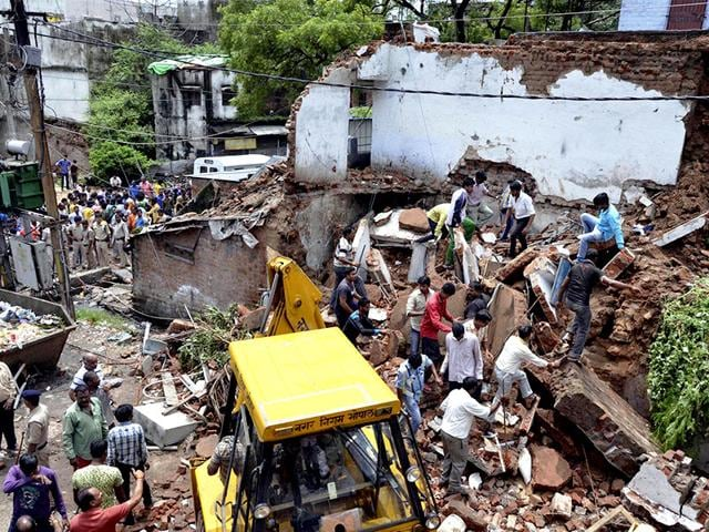 Bhopal building collapse