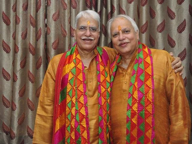 (L-R) Indian classical singer duo Pandit Rajan Mishra and Pandit Sajan Mishra (Sikander Singh Chopra/HT)
