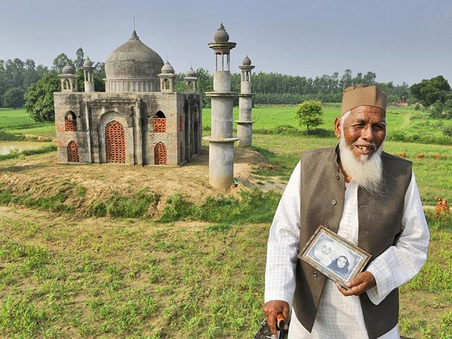 Faizul Hasan Quadri, a retired government official in a village in Bulandshahr of Uttar Pradesh is building a scaled-down replica of the historic Taj Mahal in memory of his wife Tajammuli Begum. Quadri has sold a piece of his farmland, his wife's jewellery and used up his life's savings to meet the spiralling cost of construction. (HT Photo/Burhaan Kinu)