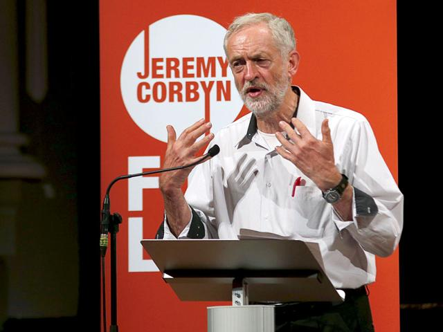 Labour Party leadership candidate Jeremy Corbyn speaks at an election campaigning event at Ealing in west London, Britain August 17, 2015. Britain's opposition Labour Party has begun voting for a new leader in a contest that polls indicate will be won by Corbyn, a veteran fan of Karl Marx who has upstaged rivals by promising a shift back to the party's socialist roots (REUTERS Photo)