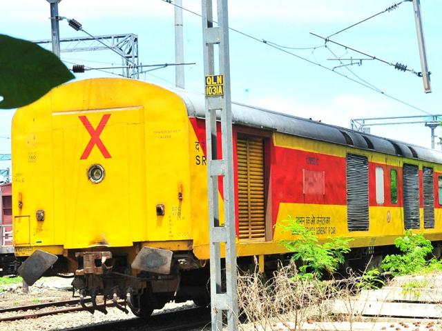 Twenty German-made new LHB AC coaches are getting rusted in Kollam (south Kerala) railway yard for more than eight months now. Climbers, creepers and rodents have made it a perfect dwelling. (HT Photo)