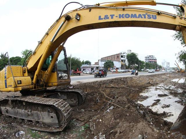The road widening is likely to give a push to real estate business in Ludhiana and the townships dotting the route. (HT Photo)
