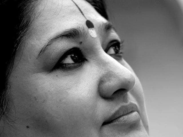 Singer Shubha Mudgal is known for hits like Ali More Angna, Ab ke Sawan and Seekho na. (shubha.mudgal/Facebook)