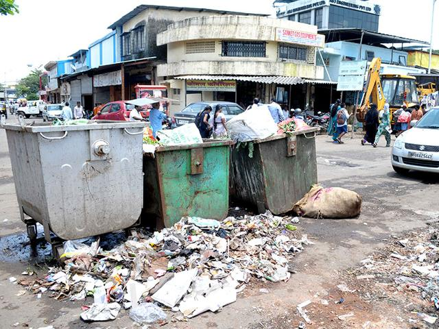 Heaps of garbage and stinking overflowing drain, lack of proper public toilets in some pockets goes against the cleanliness image of Navi Mumbai. (Photo: Bachchan Kumar)