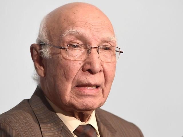 """Sartaj Aziz (L) and Ajit Doval, National Security Advisors of Pakistan and India. HT has learnt that Pakistan is preparing a dossier on """"India's role in fomenting terrorism in Balochistan and Karachi"""" when the two NSAs meet in August."""