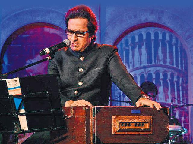 Ghazal singer Talat Aziz says that he was lucky to learn from the legendary Mehdi Hasan.
