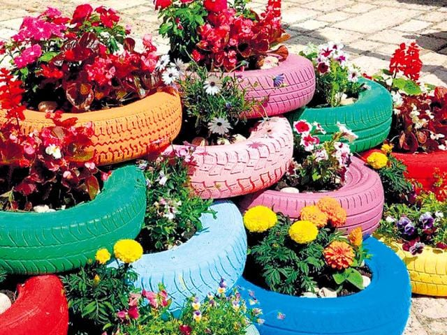 'Focused Tales' group wants to use recycled waste items, like rubber tyres, in a creative way to enliven parks in Dehradun. (HT Photo)