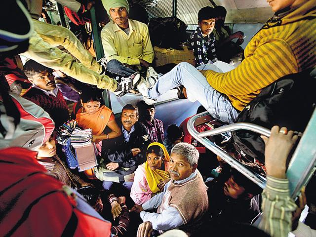 Nearly 70% of Bihar struggles below the poverty line (HT Photo)