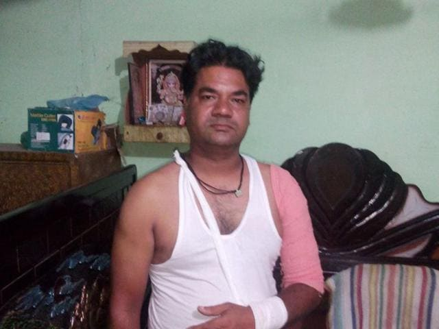Davinder Singh put his life in danger and help the police in nabbing two chain-snatchers. HT Photo