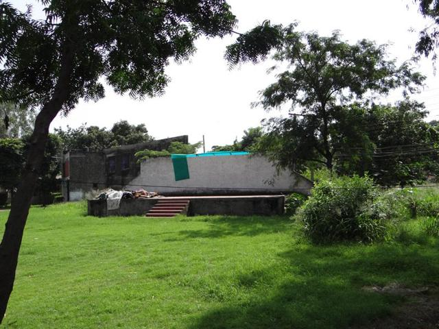 The open-air-theatre lying abandoned at Virsa Vihar in Jalandhar. (HT Photo)