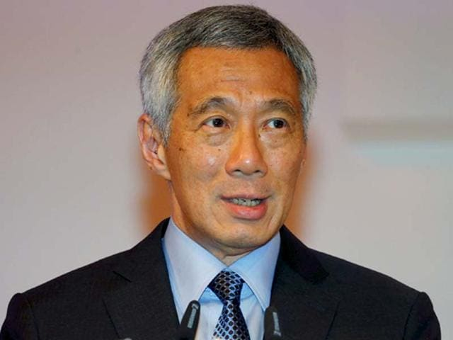 Singapore's prime minister Lee Hsien Loong delivers his keynote address of the International Institute for Strategic Studies (IISS) Shangri-La Dialogue in Singapore in this May 29, 2015 file photo. (Reuters)