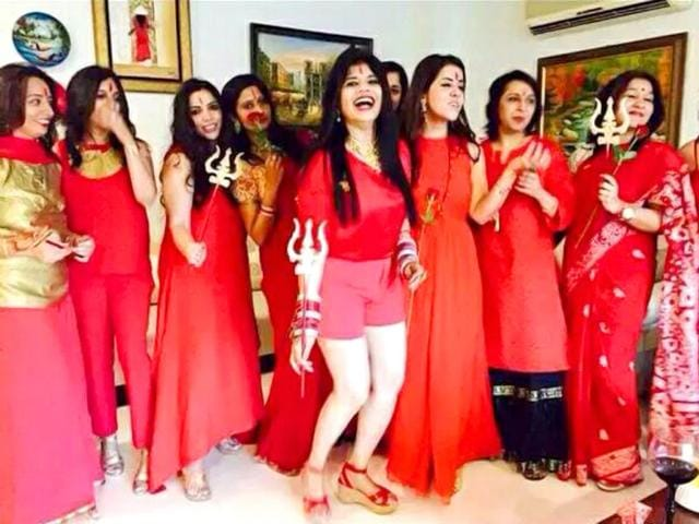 Radhe Maa, the self-proclaimed godwoman has been amid controversy after her pictures went online. (Photo courtesy: Twitter handle @kharwar_IITD)