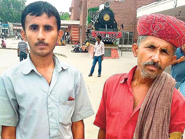 Kheraj Ram with his fatherJugataram. (HT Photo)