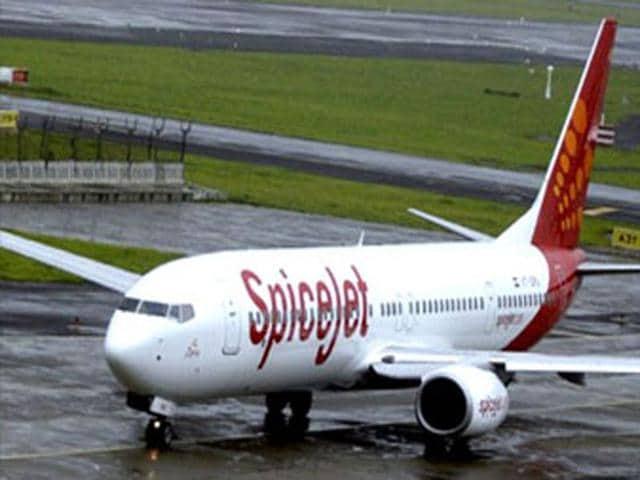 SpiceJet,Pilot salaries,Etihad