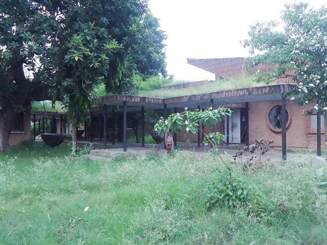 Deserted office complex at Goindwal Sahib in the Tarn Taran district. (HT Photo)