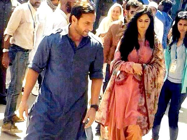 Saif Ali Khan and Katrina Kaif on the sets of Phantom.