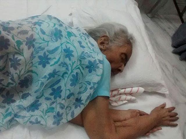 83 year old Badni Devi Daga at her house in Gangashahar town in Bikaner (HT Photo)