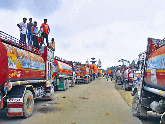 Trucks at the India-Nepal border. Indian truckers are hesitant to enter Nepal while the protests continue in the Himalayan nation. (HT photo)