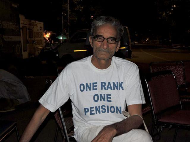 Ex-serviceman Hari Ram takes part in the OROP protest at Jantar Mantar.