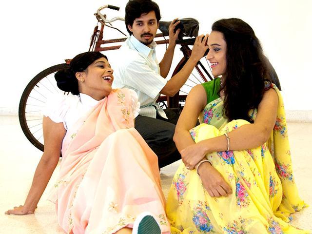 Mitrachi Goshta,Marathi play,Vijay Tendulkar