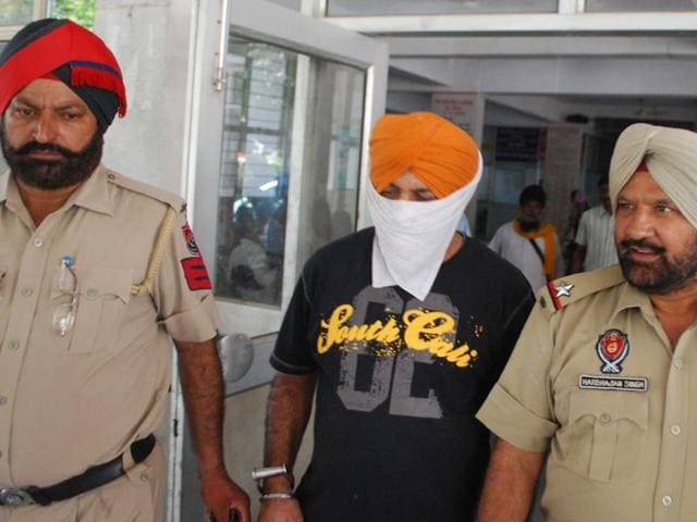 The accused, Tarlochan Singh, 43, works as a driver with Jaswant Singh, head of gurdwara management committee, Gurdwara Nanaksar, Chandigarh road. (HT Photo)