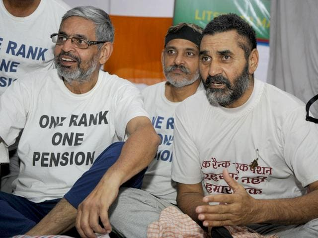 Cong says govt's OROP package 'betrayal' of ex-servicemen