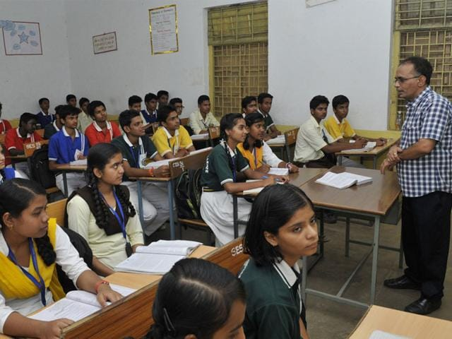Rajendra Jasuja at Subhash Excellence School in Bhopal. (Praveen Bajpai/HT photo)