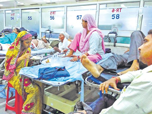 Hospitals running out of beds amid spurt in dengue cases