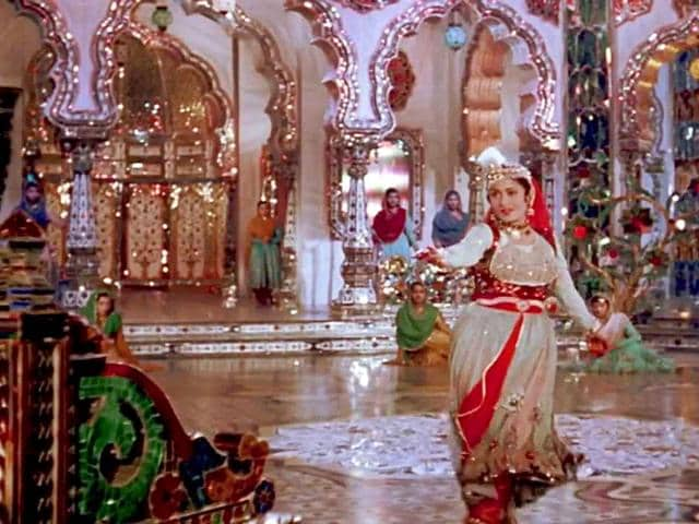 The famous song-dance sequence from Mughal-e-Azam where Madhubala performed in a 'Sheesh Mahal'.
