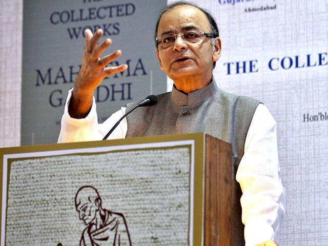 Union finance minister Arun Jaitley address the gathering during the release of e-version of the collection works of Mahatma Gandhi at Gandhi Peace Foundation in New Delhi. (Ajay Aggarwal/HT)