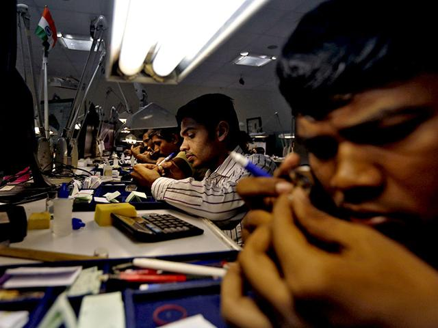 More than 5,000 Surat polishers have lost their jobs since June and thousands more could be left without work, as Chinese consumers pull back from luxury purchases, leaving jewellers with stocks of unsold jewellery and gems. (Reuters)