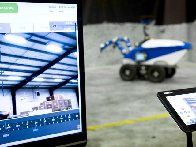 Space robot experiment,European Space Agency,Touch-sensitive robots