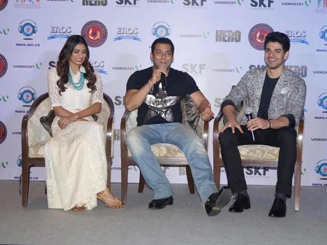 Salman Khan promotes his co-production Hero, a remake of Subhash Ghai's 1983 hit film, that marks the Bollywood debut of Sooraj Pancholi and Athiya Shetty.