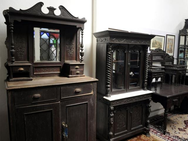 Despite bleak business prospects, experts are exploring whether Indore can  become central India's hub for antiques sale and promotion. - Indore Losing Antiques Business, Dealers Suggest Ways To Revive The