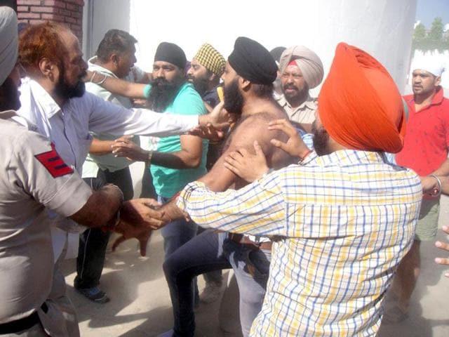 demolition of gurdwara,Pathankot,radical Sikh organisations