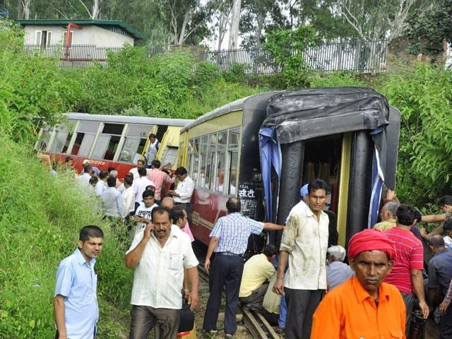 Injured passengers were rushed to hospitals in Chandigarh. The train that left Kalka in Haryana at 12.40 pm and went off the tracks an hour into its journey. Gurminder Singh/HT